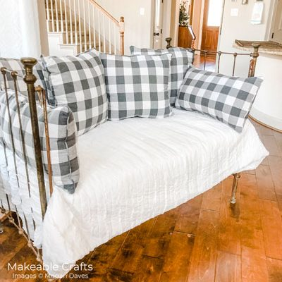 Repurpose a Crib – Farmhouse Style