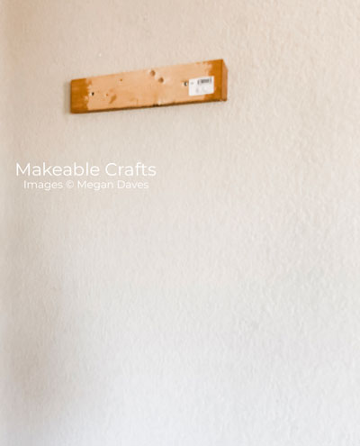 pallet wood wall decor | using french cleats