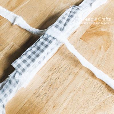 simple rag bow | Tying it closed