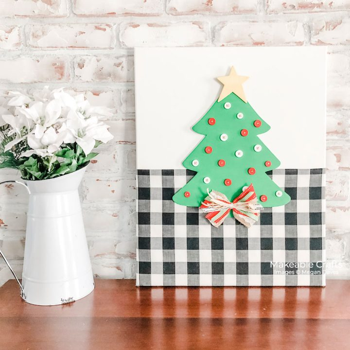 Christmas canvas wall art with a budget stretching secret - come learn more!