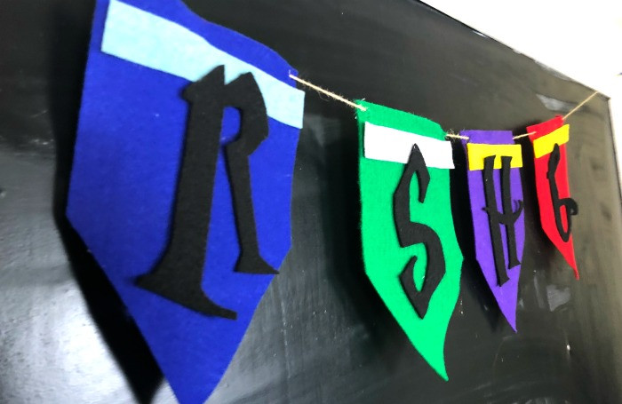 Check out this adorable and easy DIY felt banner celebrating Harry Potter's birthday!