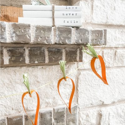 30 Minute Craft:  Paper Carrot Garland